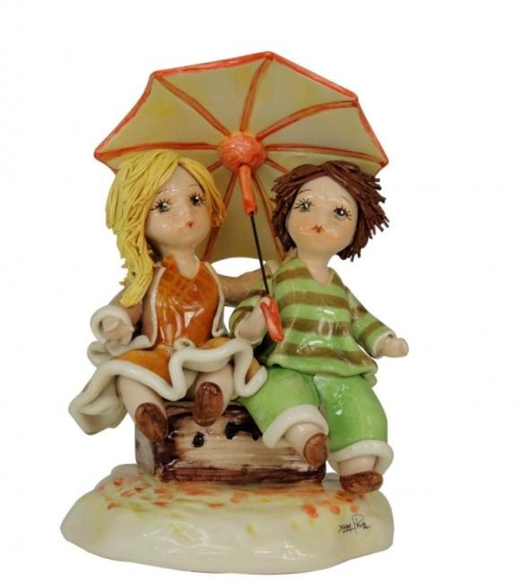 Статуэтка «Девочка с мальчиком под зонтом» Zampiva